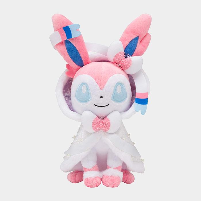 Pokémon Christmas 2019 Sylveon Plush